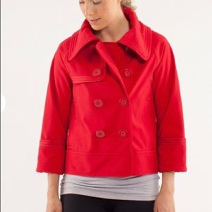 Lululemon Coco Current Red Softshell, Size 8